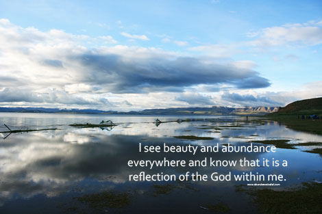 Post image for Abundance Wallpaper – I see beauty and abundance everywhere